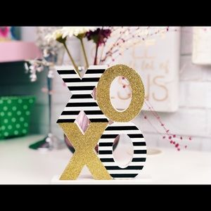 XOXO accent for home/office